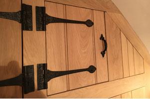 oak cupboard Tarporley